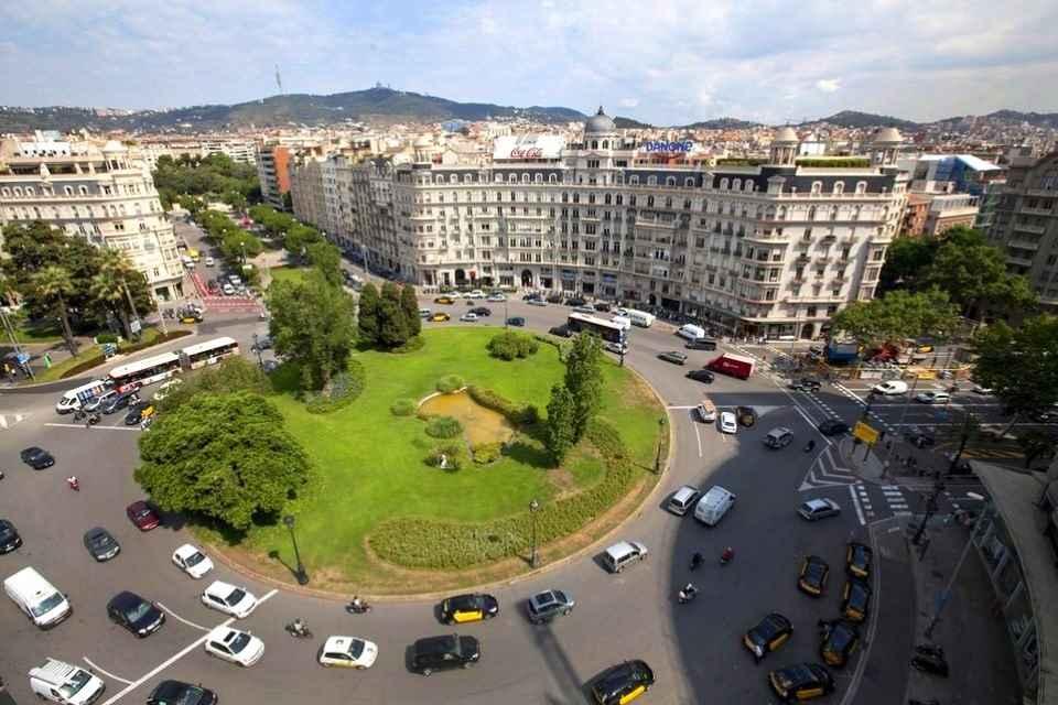 Vista-aerea-de-la-Placa-France_54417182629_54028874188_960_639.jpg